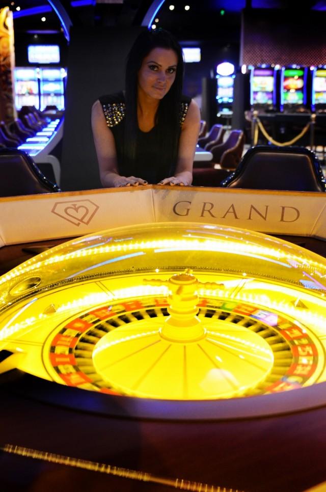 Grand Casino 20141021 094 (848x1280)